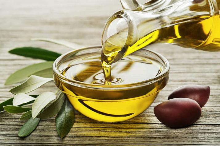 olio extra vergine d'oliva-biofenoli-vitamina E-Patrizia Di Mare-nutrizionista-Augusta-Siracusa-Lentini